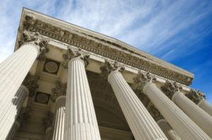 palais de justice banque de France tribunal surendettement jugement impayés dettes
